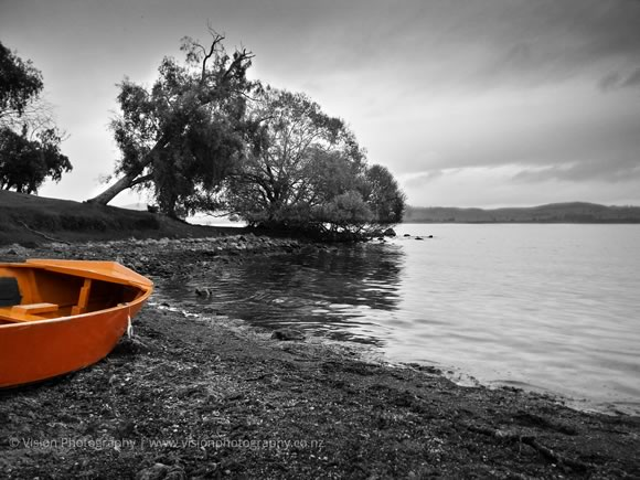 Boat on Lake Taupo - Photogragraphers Wellington